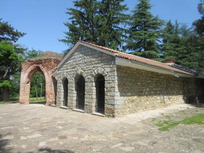 バラの花咲くルーマニア・ブルガリア8日間の旅⑦ベリコタルノボ~カザンラク