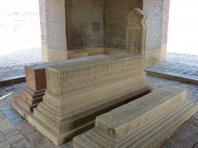 タッターのイスラム建築群 (ディワーン・シュラファ・ハーン廟)