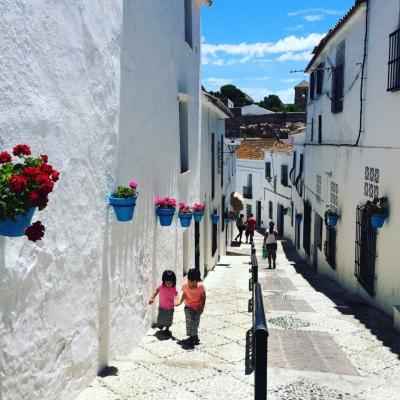 地球タビカゾク 親子4人でスペイン、白い村ミハスへ