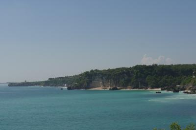 2016年6月バリ島旅行記(初ビジネスで勤続30周年お祝いの旅)5 青い海とサーファーとビーチクラブで物価上昇を考えたらコマネカラササヤンにチェックインするの日