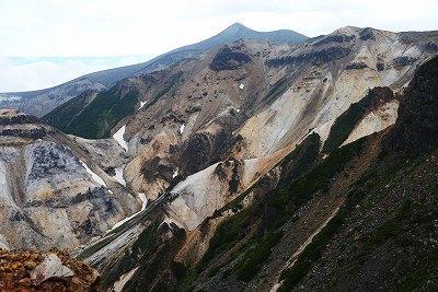 花ゆれる雲上の楽園 大雪山山系 十勝岳を歩く