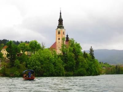 2016:GWたび・その2/前編 *新緑の季節に行くスロベニア&クロアチア* 曇り空のブレッド湖・・・