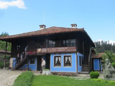 バラの花咲くルーマニア・ブルガリア8日間の旅⑪ソフィア~コプリフシティツァ