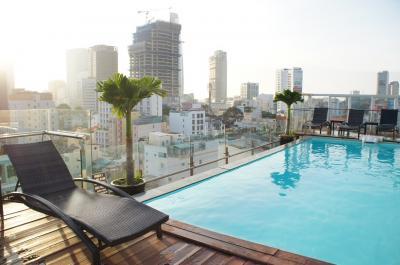 ベトナム サイゴンでプール付きホテル「Silverland Hotel & Spa」がお得で最高。 周辺のおすすめレストランも紹介