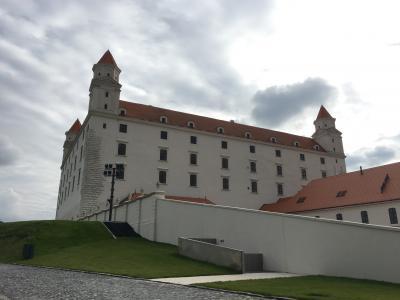 ブラチスラバで逆さテーブルのお城を見てきました!