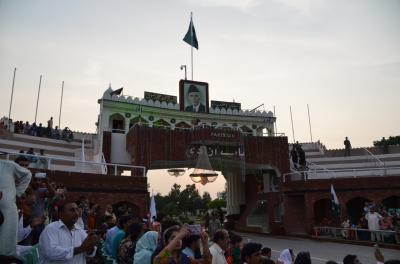 大盛り上がりのパキスタンのフラッグセレモニー最高です!パキスタン・ジンダバード!!