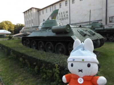 グーちゃん、ポーランドへ行く!(ワルシャワ軍事博物館にて・・・。編)