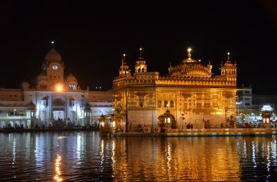 インドとは思えないくらい美しく静寂なゴールデンテンプルが素晴らしい!