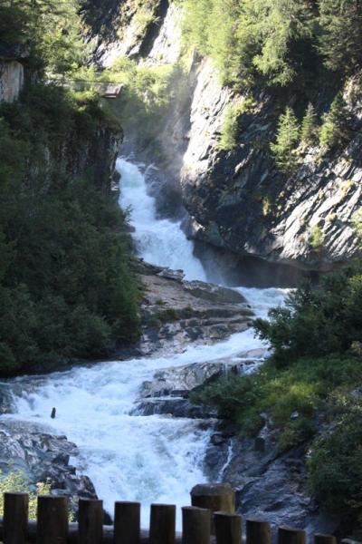 ホーエタウエルン国立公園ハイキング 1日目/6 マトライまで乗り継いで、滝巡り