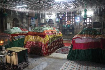夏のインドの旅2 アーメダバード ハーティンスィン・ジャイナ教寺院