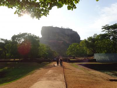 2016夏 スリランカ part6  シギリヤロックの頂上で吹きすさぶ風を感じ王の悲哀を思う~帰国