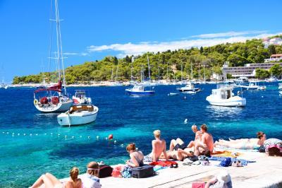 フヴァールの碧い青い海の写真を集めてみました (クロアチア・ダルマチア旅行 番外編)