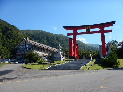出羽:1日でなんとか出羽三山と即身仏の寺院
