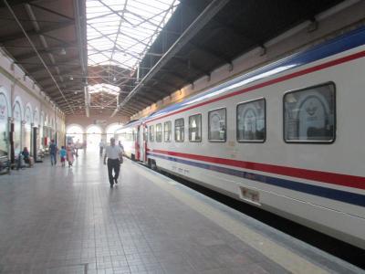 トルコ寝台列車でイズミルからアンカラへ