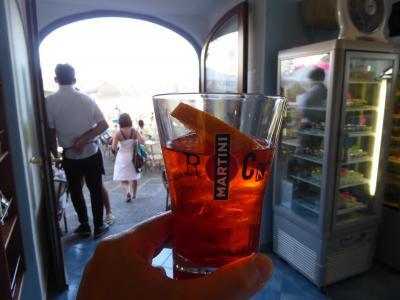 夏の優雅な南イタリア周遊旅行♪ Vol410(第21日) ☆Isola d'Ischia/S.Angelo:黄昏のサンタンジェロ♪バールでアペリティフタイム♪