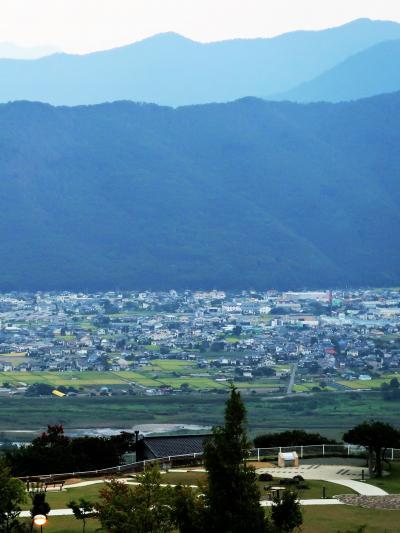姨捨SA 姨捨山と善光寺平の眺め  ☆観光バスは上田駅へ