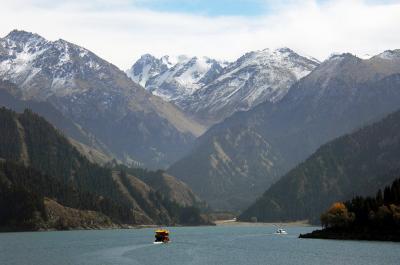 2013年中国新疆放浪記089・久々の烏魯木齊、天池をぶらぶら