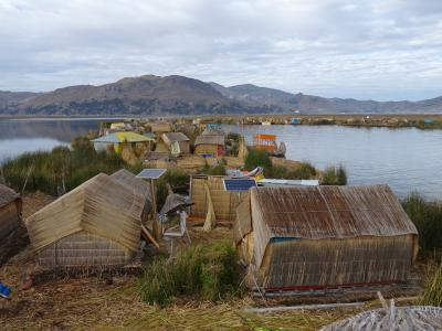 チチカカ湖の葦の島ウロス島で過ごす2日間★女子一人、個人手配の南米1ヶ月(5)