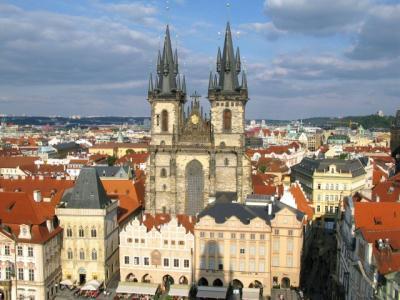 中世の雰囲気が残る美しい街を一人旅