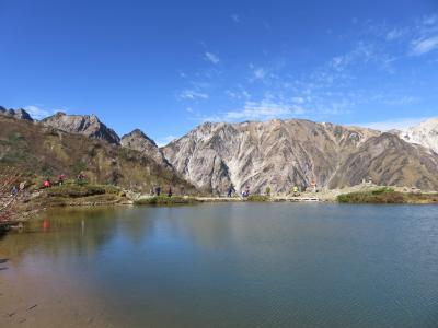 八方尾根・唐松岳登山と唐松岳頂上山荘 その1 2016年10月