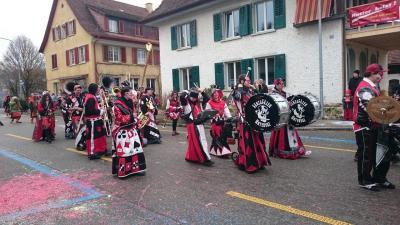 スイス・小さな街のファスナハト2016【スイス情報.com】