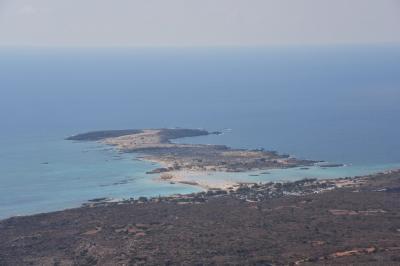 クレタ島のサマリア渓谷とエラフォニシビーチまでのドライブ。