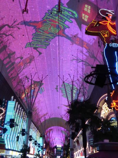 アメリカ西部05 ラスベガス/フリーモントストリート エクスペリエンス ☆アーケードのハイテク映像ショー