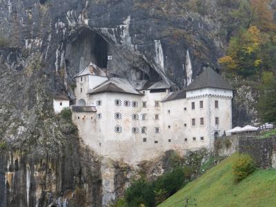 ユーラシア大陸横断【陸路】94日目 スロベニア ポストイナ鍾乳洞・洞窟城