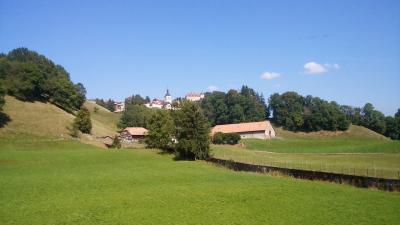 スイスを代表する古城、グリュイエール城を訪ねる