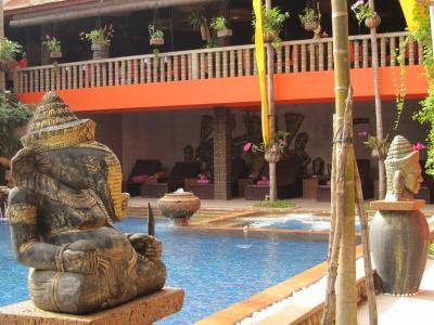 ベトナム・カンボジアの世界遺産を巡る3 シェムリアップ ゴールデンテンプルホテル