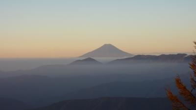 雲取山トレッキングとのめこい湯に浸かる