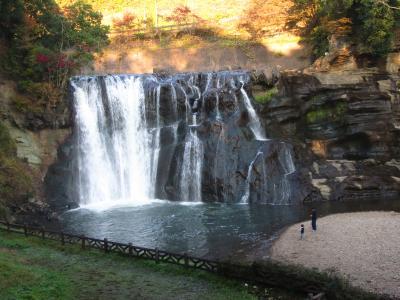 那須烏山の観光(龍門の滝周辺散策と大金温泉グランドホテル宿泊)