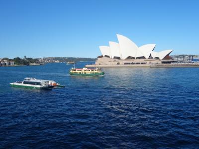 シドニーでExplorer of the Seas に乗りました。9日間の船旅です。