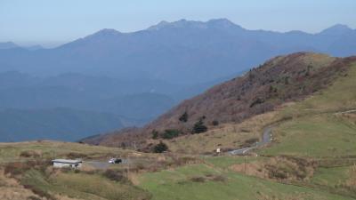 愛媛県久万高原町 石鎚を見ながら大川嶺を歩く
