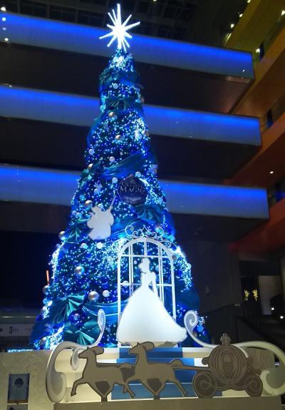 二子玉川にシンデレラのクリスマスツリー♪