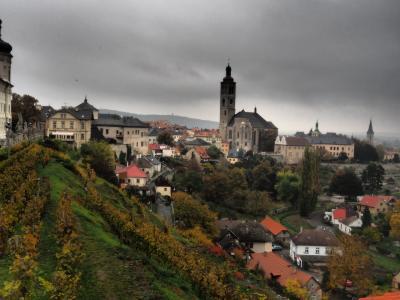 プラハでオペラと盛りだくさん! クトナー・ホラの世界遺産に、ガイコツ寺に.(;'∀') 、
