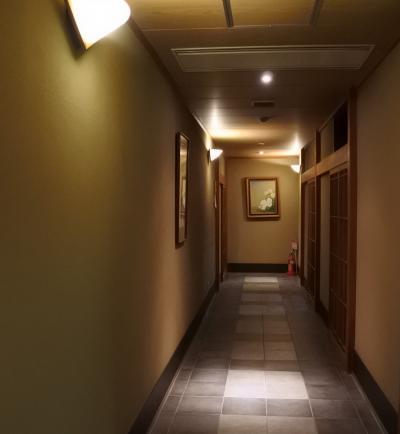 岸権旅館(1階)