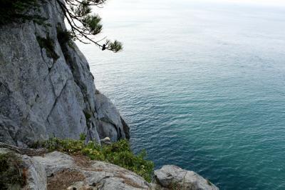 壮大な崖と海!麗水の「金鰲島・ピロンキル」の美しい風景