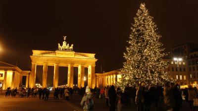 超特急ICEの一等車でベルリンのクリスマスマーケット行って来た。ラウンジも楽しんだ。