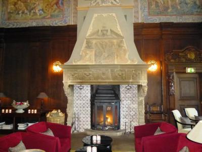 ドイツの春:北方二州・23古城ホテル ミュンヒハウゼンで期待の夕食を楽しむ
