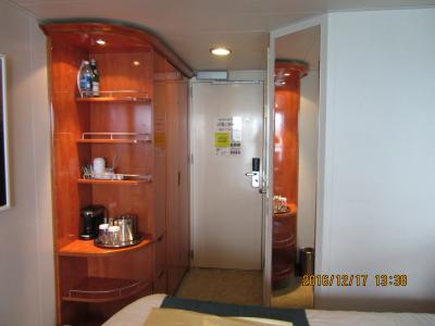 陰陽道 船室: ハワイ四島クルーズ:プライド・オブ・アメリカ号の八階ベランダ付き部屋の様子