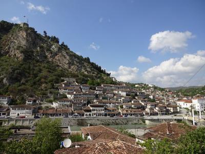 バルカン半島周辺7ヶ国周遊GW個人旅行 1(成田~ティラナ~ベラット)