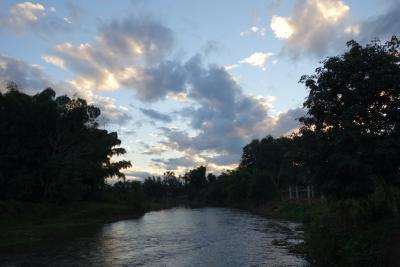 20170106 ルアンナムター 南の方に散歩 → 北の橋から、田んぼの中を彷徨って、竹?橋まで