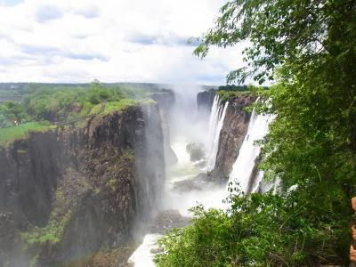 ザンビア側のビクトリアフォールズで雨に降られる!~OneWorldの世界一周ビジネスの旅~