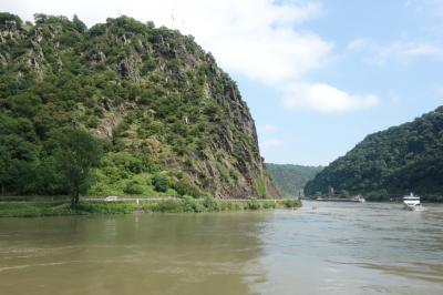 ライン川を下って河口の国(3/4) ビンゲンから川下り