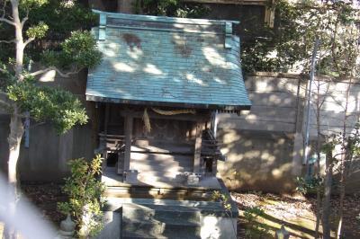 日立戸塚工場内の神社