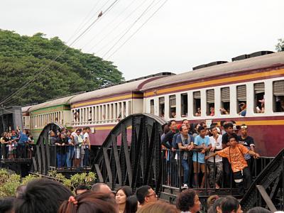 タイ03 カンチャナブリ: クウェー川鉄橋~死の鉄道博物館