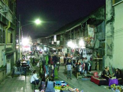 週末からのタイどうでしょう 1)ランパーンKad Kong Ta Walking Street