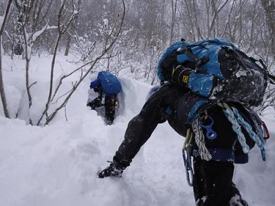 谷川山麓の土合で雪訓 大雪でなかなか味わえないラッセル体験