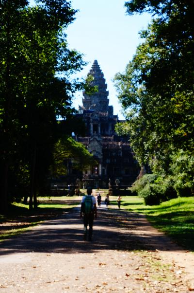 アラフィフ夫婦 カンボジア・シェムリアップで遺跡とB級グルメ・1・2日目<ベトナム~カンボジアの旅 その5>